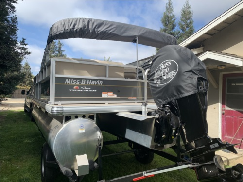 Suntracker DXL18 Party Barge Pontoon  from Karl S, CA