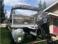 Suntracker DXL18 Party Barge Pontoon Boat Lettering from Karl S, CA
