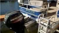 2016 Suntracker Fishin Barge 20  Pontoon Boat Lettering from Derek H, FL