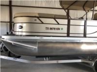 2021 Veranda Pontoon Boat Lettering from JC  D, TX